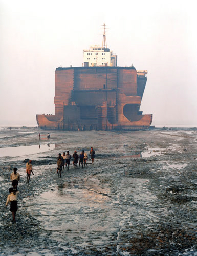 Edward Burtynsky Shipbreaking #21, Chittagong, Bangladesh, 2000 C-print, Courtesy the artist, Toronto Image Works and Charles Cowles Gallery, New York